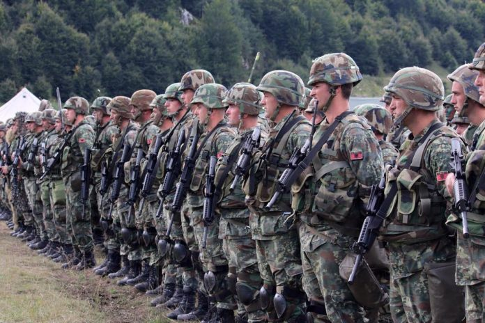 Εξαγγελίες πολέμου από τον στρατό «φάντασμα» των Αλβανών!--«Γελοίες» χαρακτηρίζει το Πεντάγωνο τις δηλώσεις