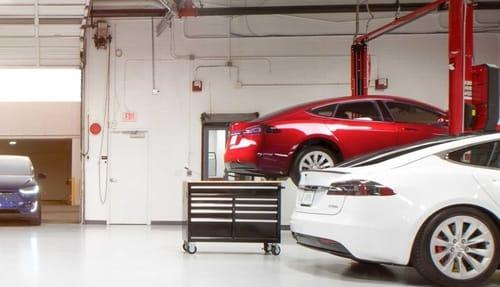 Tesla reveals confidential customer information