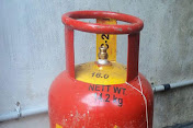 Gas cylinder expiry date
