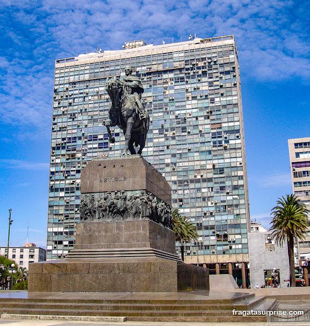Monumento a Artigas, Montevidéu