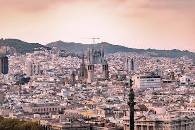 عشرة أمور يجب أن تفعلها عندما تزور برشلونة