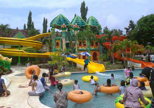 Wahana lengkap waterparkJambooland Waterpark Tulungagung