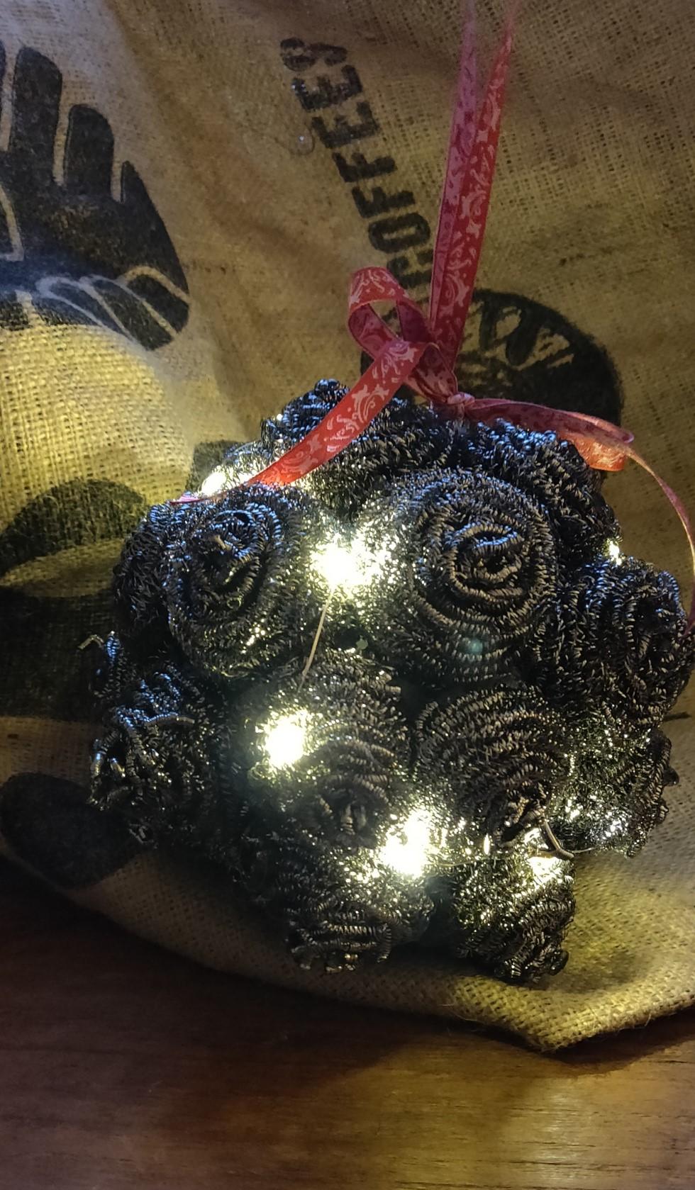 joulupallo hankauspalloista