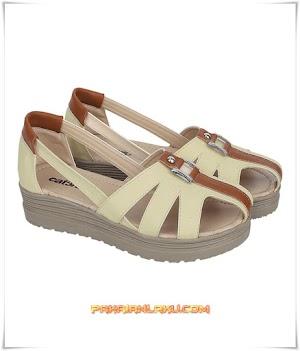 Sandal Casual Wanita Elegan Warna Cream
