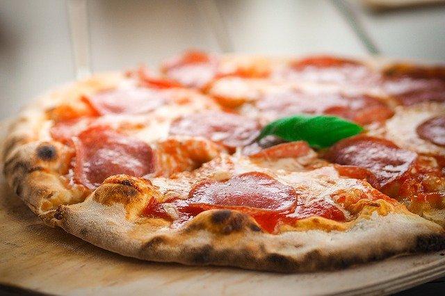 Homemade garlic cheese pizza