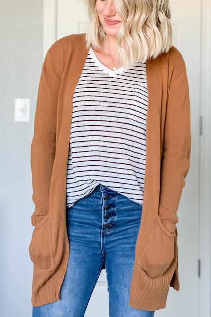 Striped tops are a fall wardrobe staple #stripetop #fallwardrobestaples