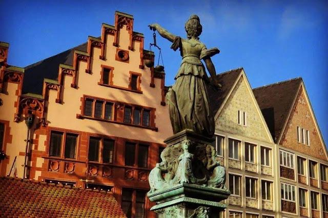 Is Frankfurt worth visiting? Old Town Frankfurt
