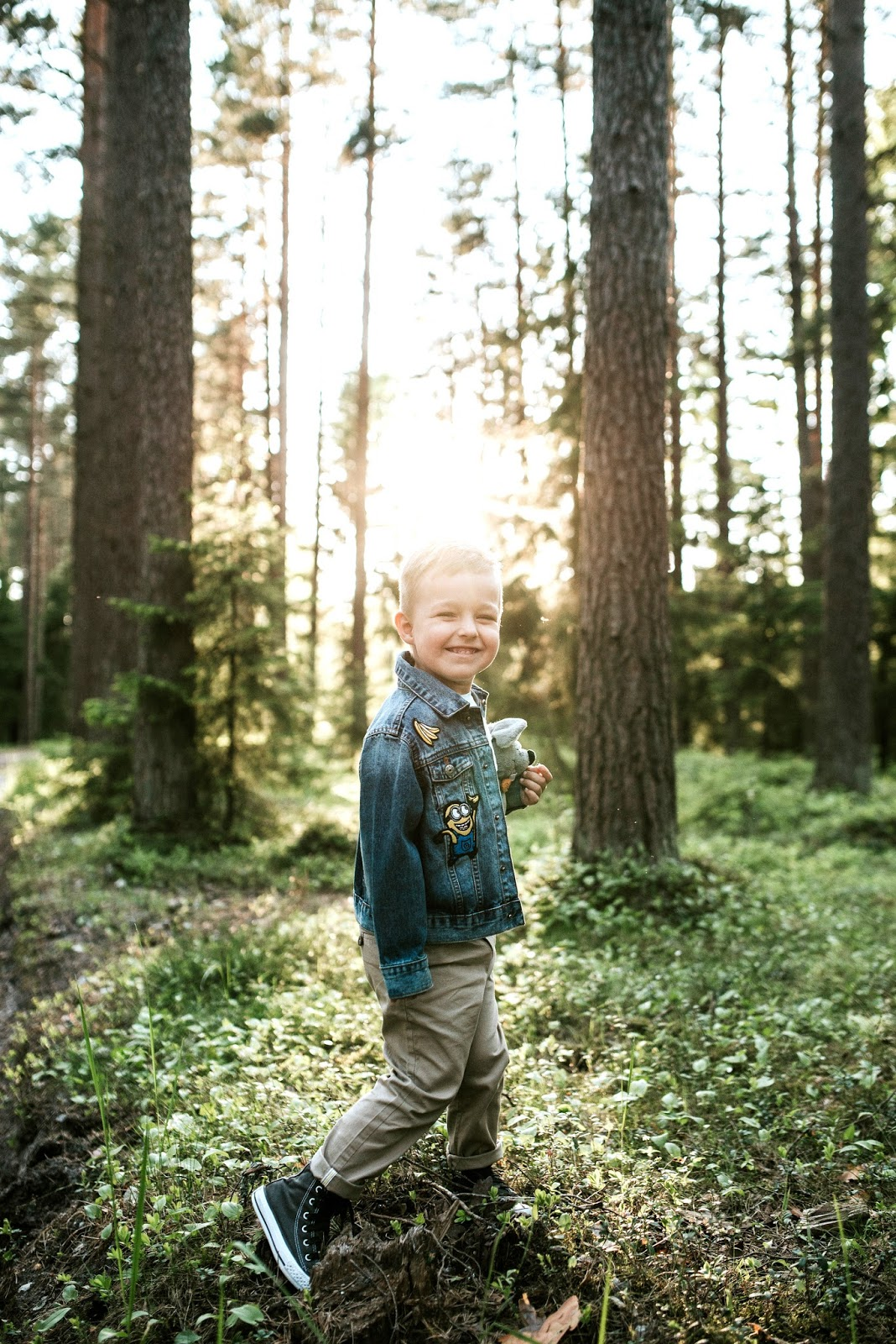 toddler boy forest photoshoot