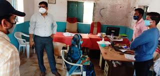 आयुष्मान शिविरों का कलेक्टर ने किया आकस्मिक निरीक्षण