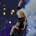 Brian May es operado de una pierna