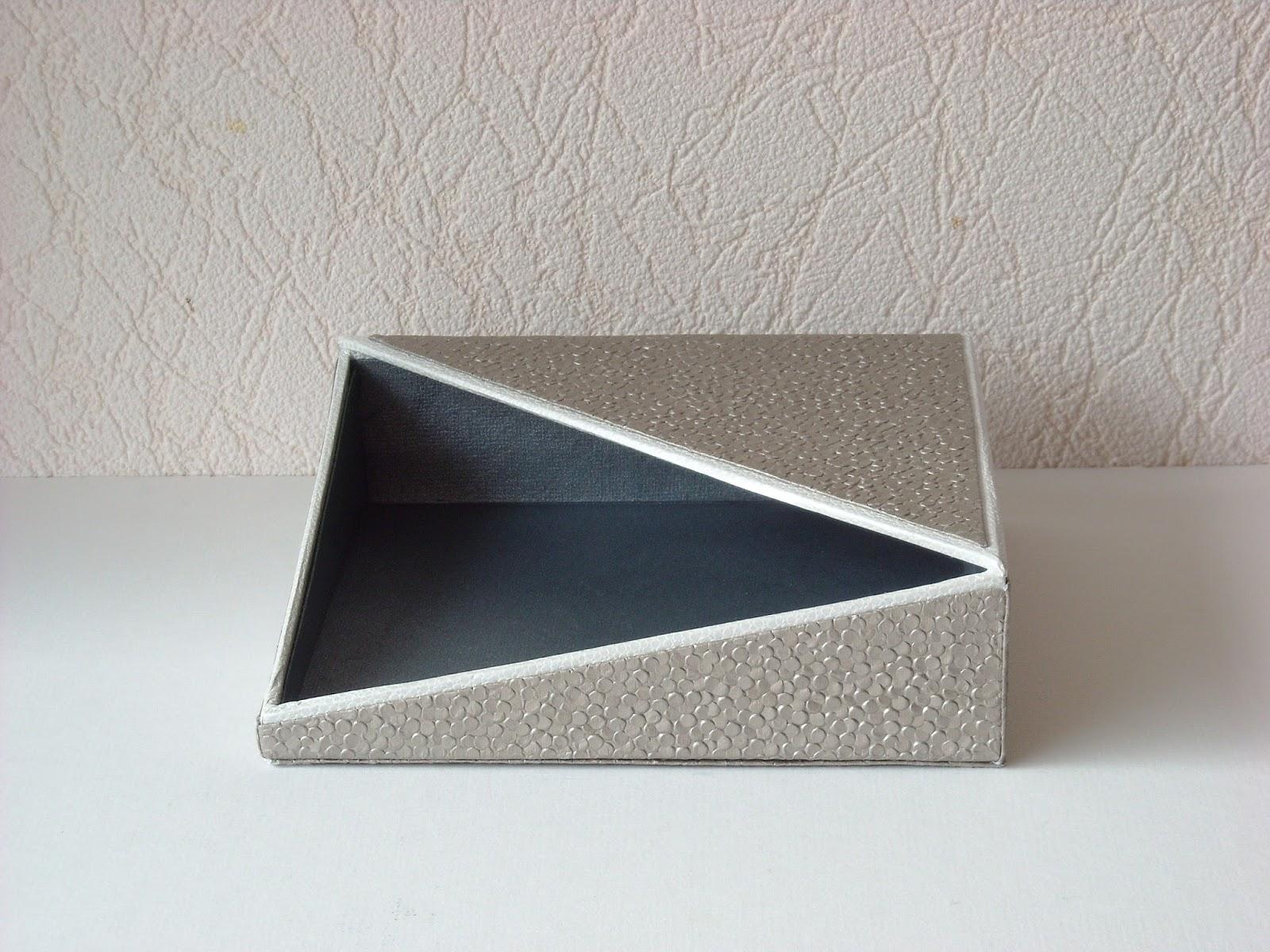 patchwork cartonnage porte serviettes. Black Bedroom Furniture Sets. Home Design Ideas