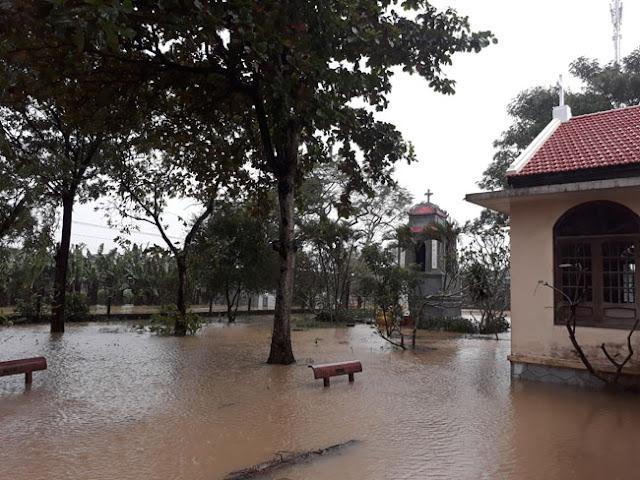 Chùm ảnh lũ lụt tại Giáo xứ Dương Sơn – Huế - Ảnh minh hoạ 8