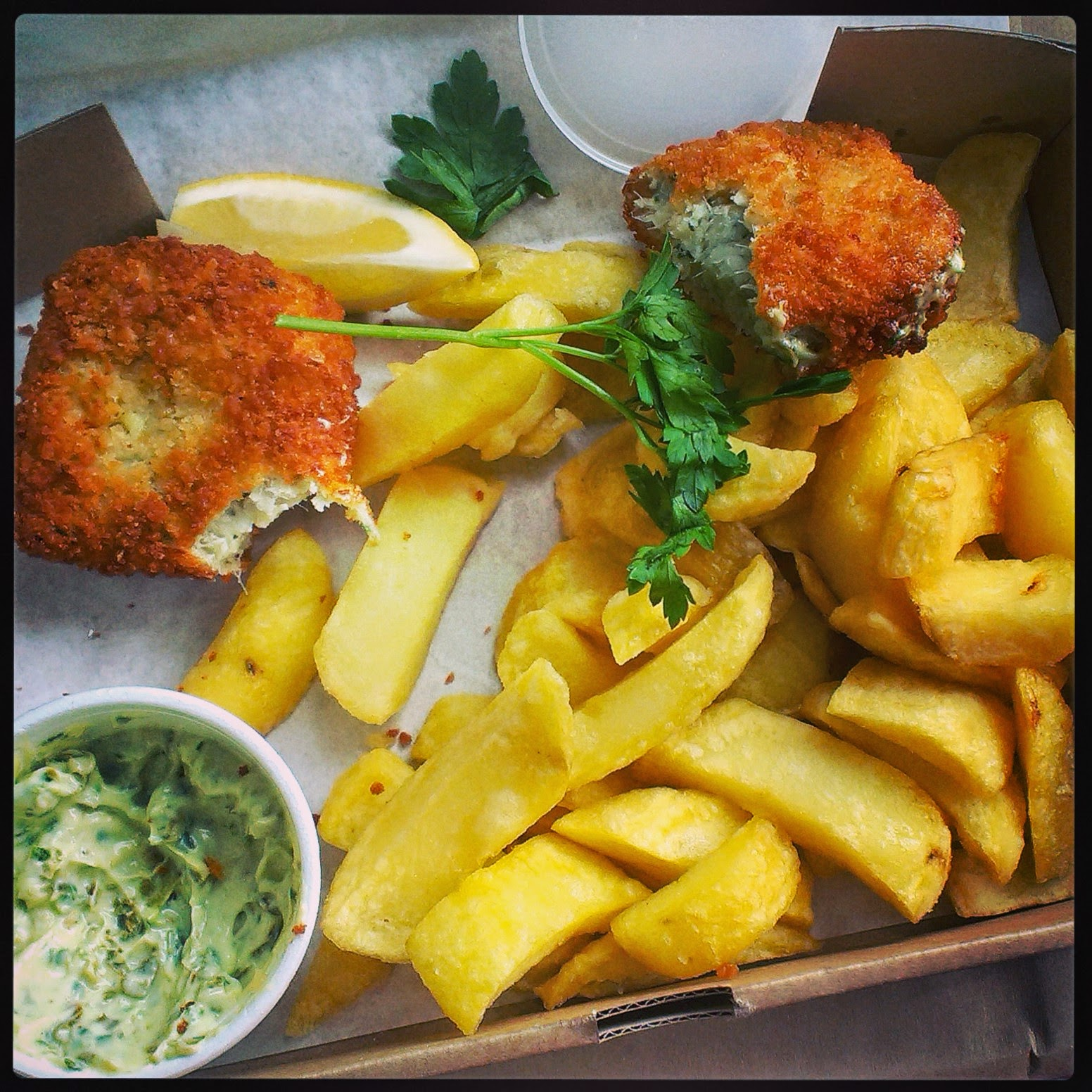 Ths Scallop Shell fishcakes and chips