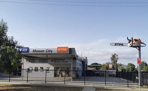 BIG Chainsaw in Albury - BIG Things of Australia