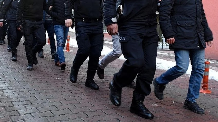 Μαζικές συλλήψεις στρατιωτικών στην Τουρκία