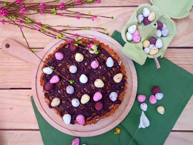Galleta gigante de Pascua de avena y zanahoria. Easter mega cookie. Chocolate, pecosos, Lacasitos, huevos, receta de semana santa, con horno, sencilla, rápida, fácil, rica, saludable, merienda, desauyuno, postre Cuca