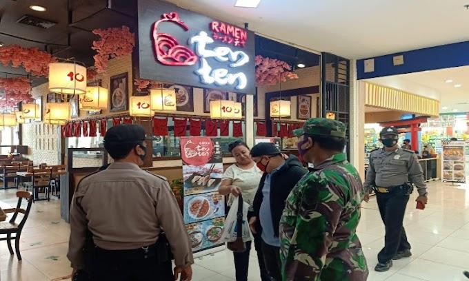 Mengahadapi AKB, Polsek Cipocok Jaya Bersama TNI Himbau Para Pengunjung Pusat Perbelanjaan