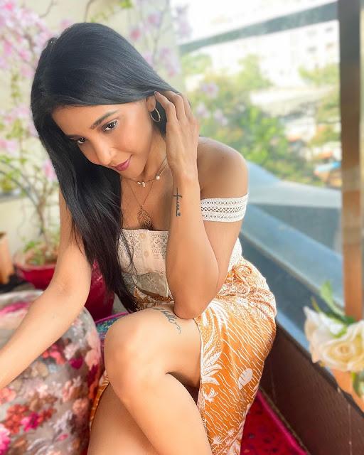 Sakshi Agarwal Hot and Bold Photo Stills Actress Trend