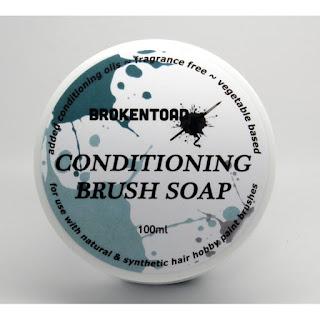 Limpiador de pinceles de Brokentoad