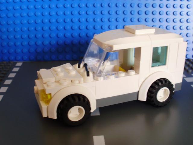 MOC LEGO Carrinha branca