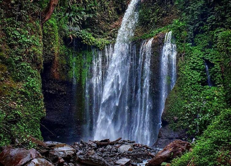 Wisata Air Terjun Tiu Kelep Lombok