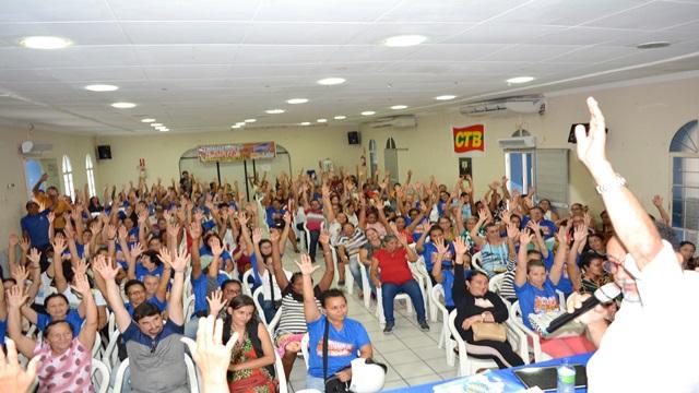 SINFEMP realiza assembleia e delibera suspensão da greve até concluir negociação