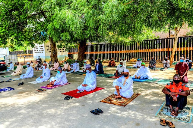See photos from Governor Ganduje's Juma'at Prayers with Aides