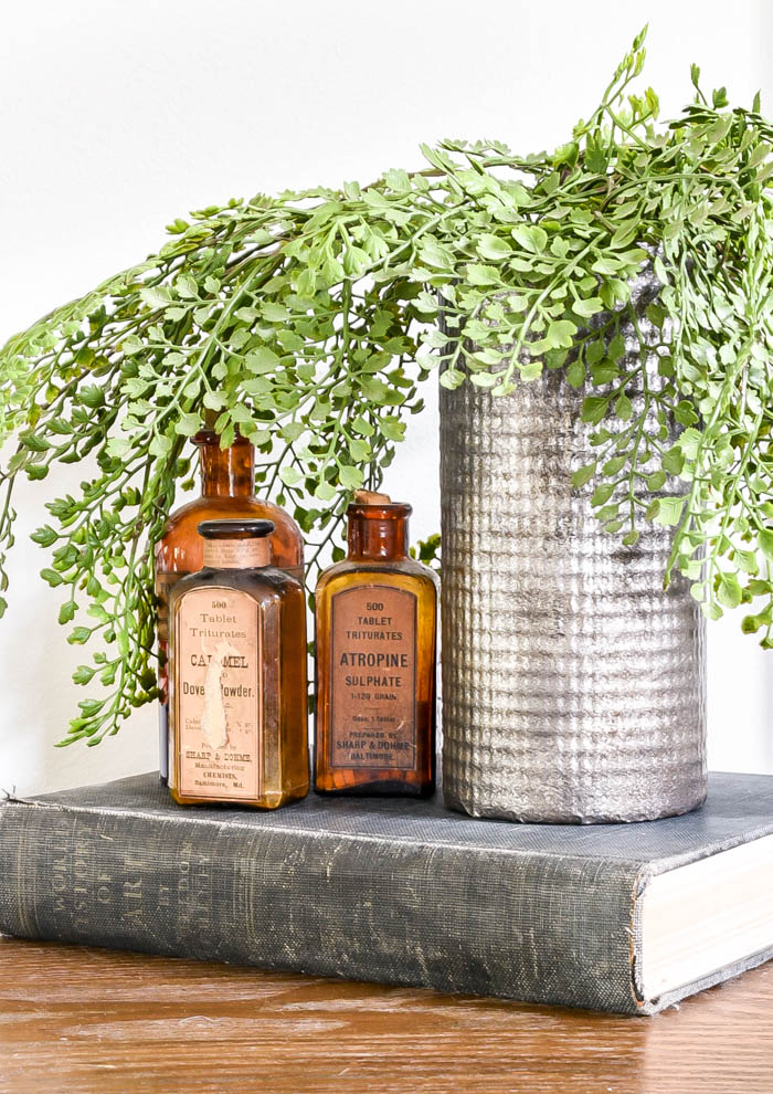 How to make a rustic and weathered tin vase