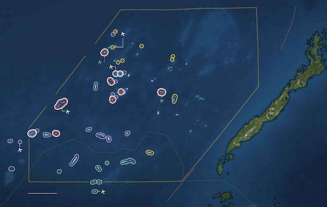 Ilhas Spratly: o mapa da invasão. O anel branco indica obras em andamento. Nomes em vermelho: ocupadas pela China; roxo Filipinas; verde Malásia; amarelo Vietnã; azul Taiwan. A ilha é território filipino.