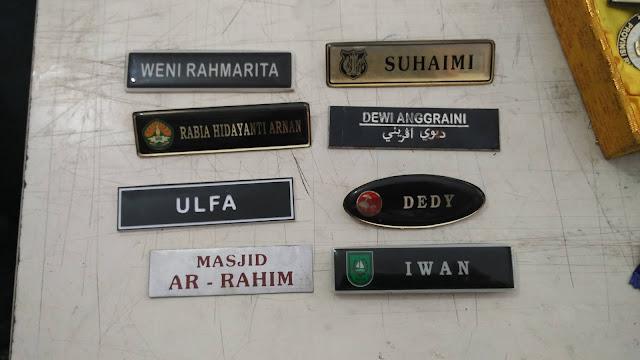 Nama Dada Staff dan Plang Nama