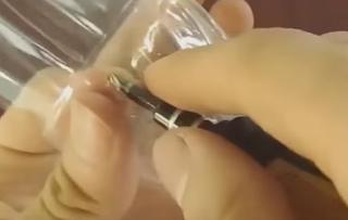 Membuat Kerajinan Tangan dari Botol Bekas Bentuk Mobil Lucu Bisa Jalan Sendiri