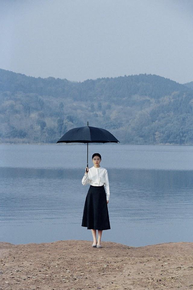 Concept chụp mẫu nữ ngoại cảnh hồ nước