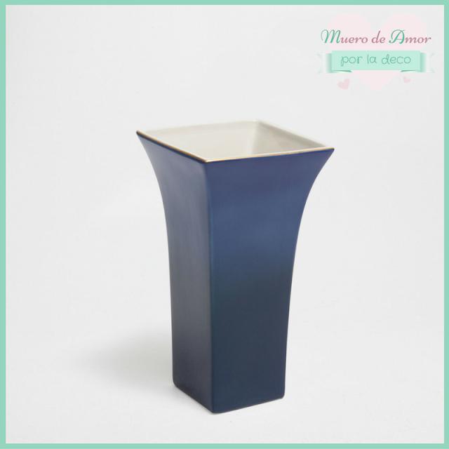 Jarrón azul de cerámica
