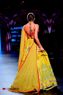 Bollywood Actress Malaika Arora Khan Walks on Ramp at LFW Summer 2017  0026.jpg