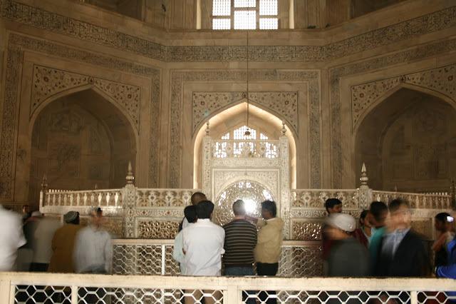 fun facts about the taj mahal in india