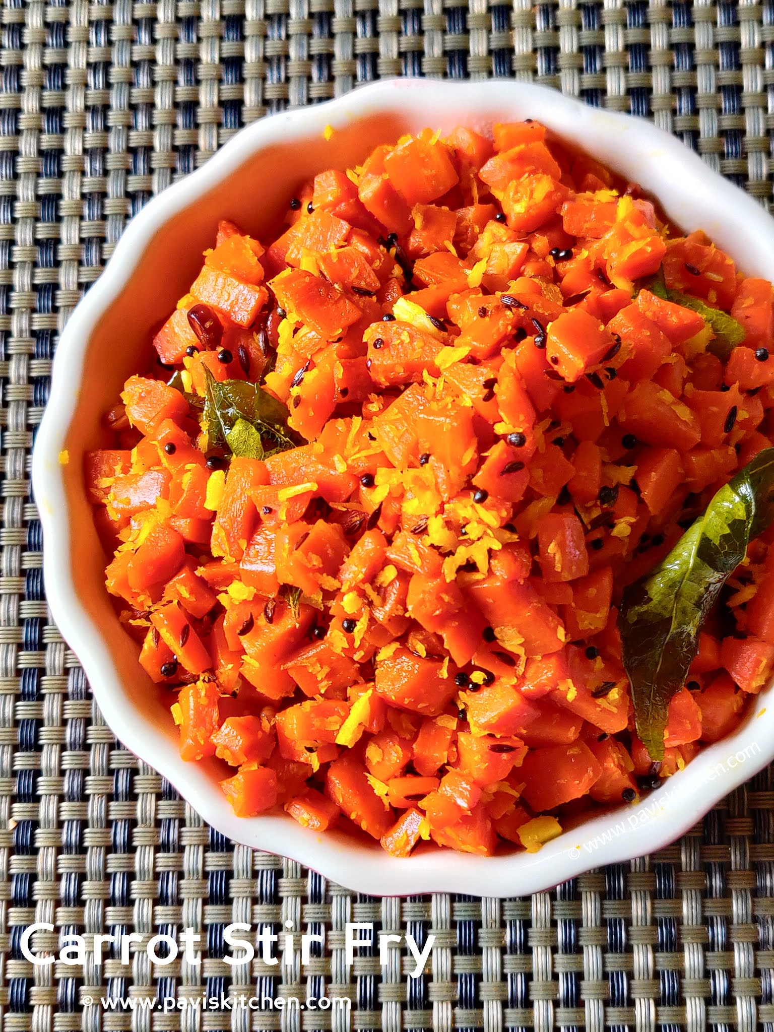 Carrot Poriyal Recipe | Carrot Palya | Carrot Stir Fry