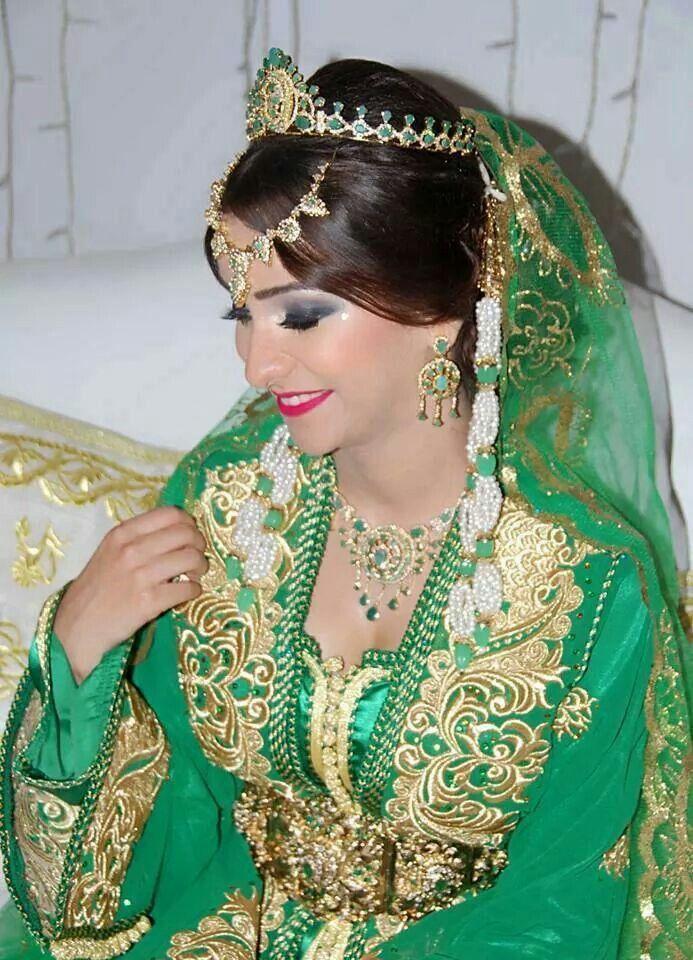 Nous nous trouvons accessibles à tout instant pour soutenir les clientes et  leur offrir des innovations gammes du robe marocaine superbe.