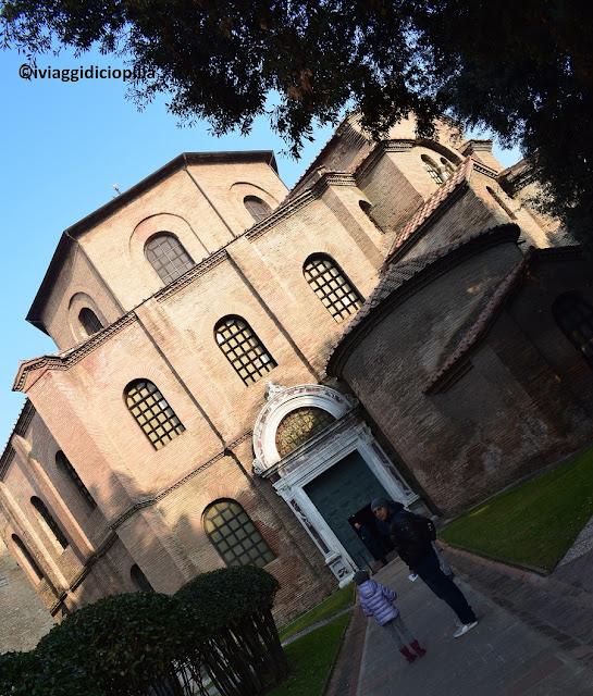 Basilica di San Vitale : la sua facciata