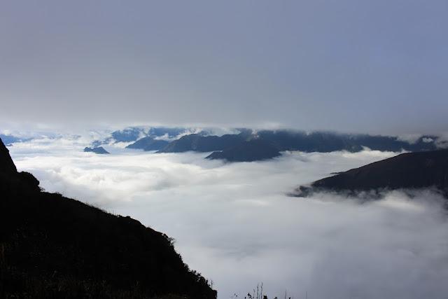 săn mây trên đỉnh lảo thẩn y tý