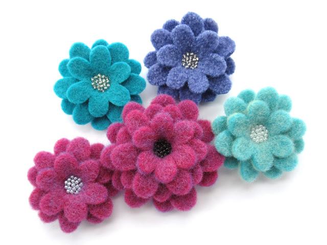 https://www.etsy.com/uk/listing/803619018/flexible-flowers-pdf-pattern-easy-felt