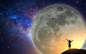 Piękny księżyc w pełni.