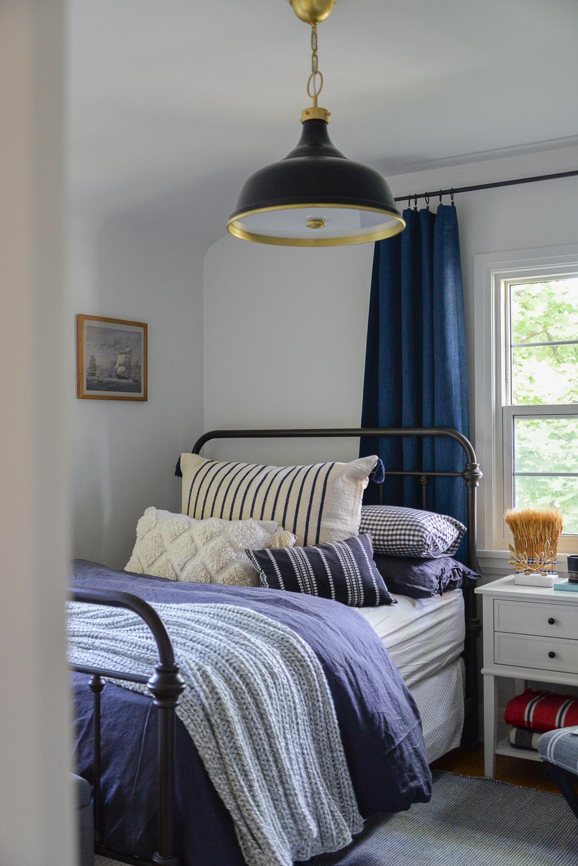 cozy home decor, fall bookshelf, fall home decor, fall decorating