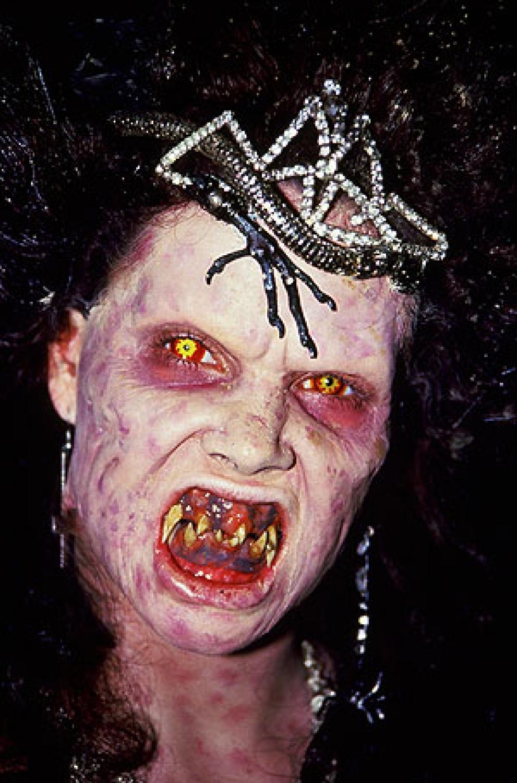 El Baúl Retro: Night of the Demons 1988 Horror Hazard