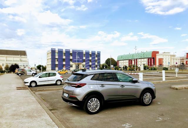 Opel grandlandx side