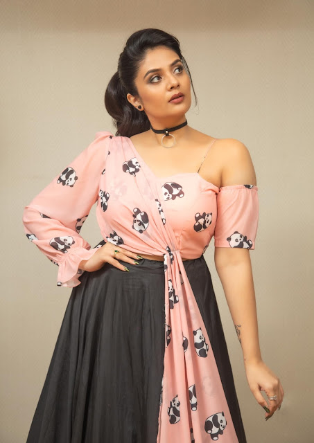 Telugu Actress Sreemukhi Latest Photo Stills on Friendship Day Actress Trend