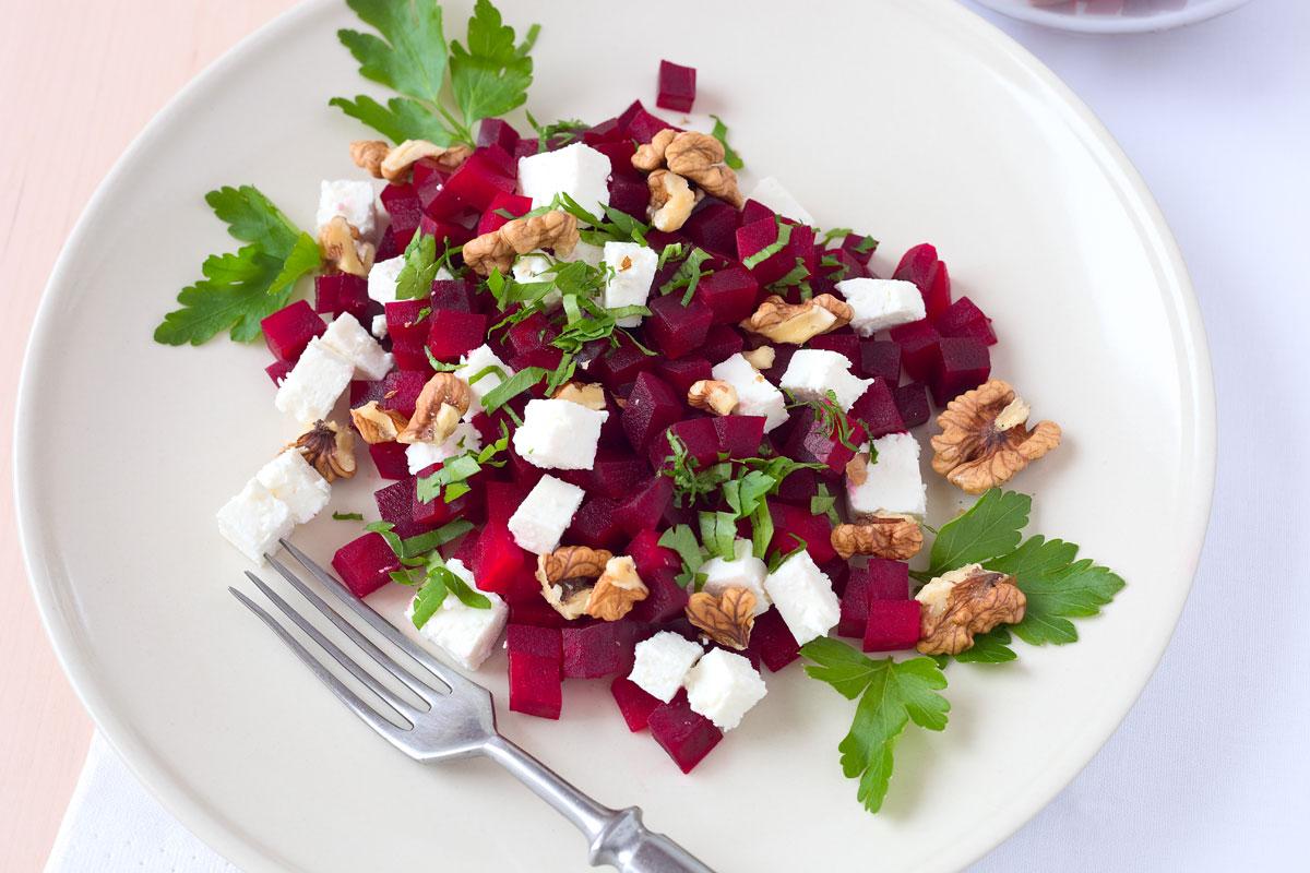 mein dolcevita rote bete salat mit feta waln ssen und petersilie. Black Bedroom Furniture Sets. Home Design Ideas