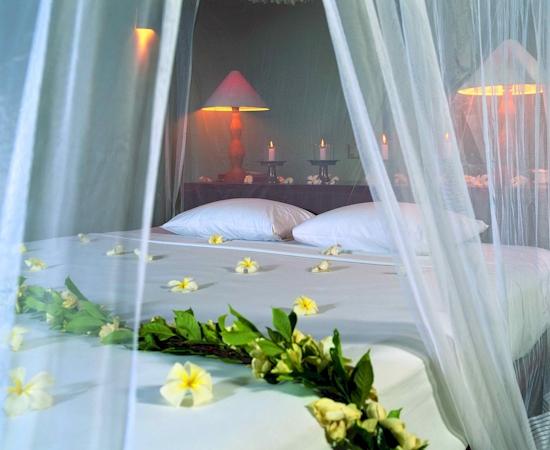 Lifestyle of Dhaka: Wedding bedroom decoration idea simple ...