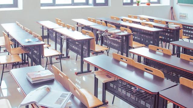 """""""Desk Challenge"""": el nuevo reto viral """"absurdo"""" y peligroso que se expande por los colegios españoles"""