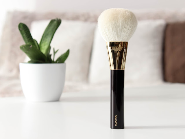 tom ford bronzer brush recenze