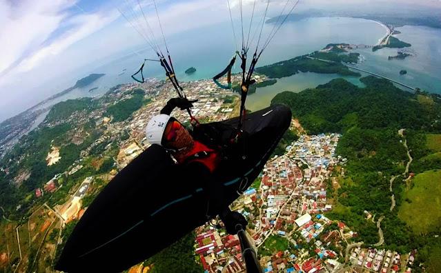 Para Juara Dunia Paralayang Akui Keindahan dan Sulitnya Jalur Terbang di Papua.lelemuku.com.jpg